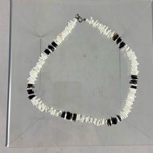 "17"" sharp edge pooka shell necklace"